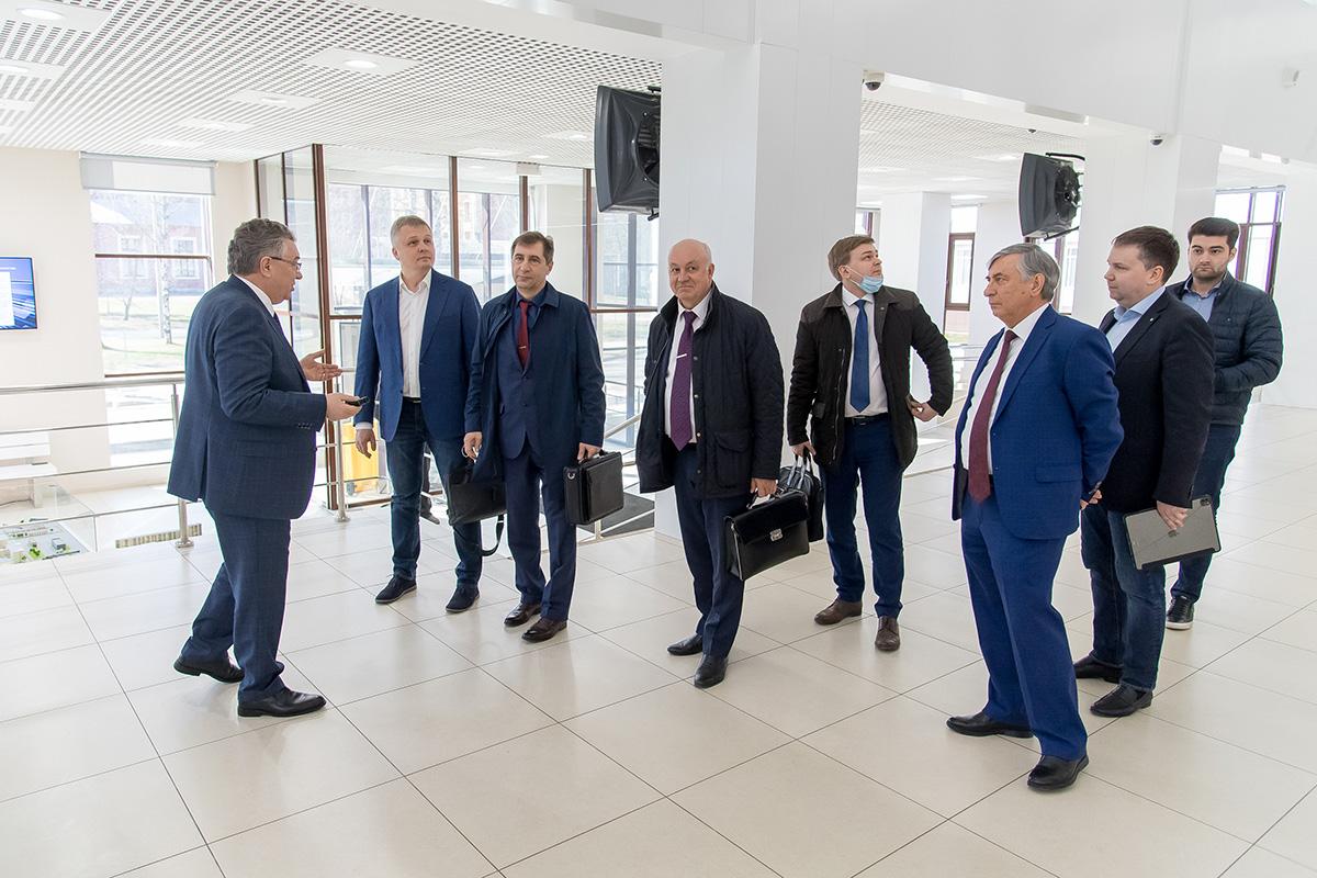 Алексей Боровков принял участие в рабочем совещании с представителями «Роскосмоса»