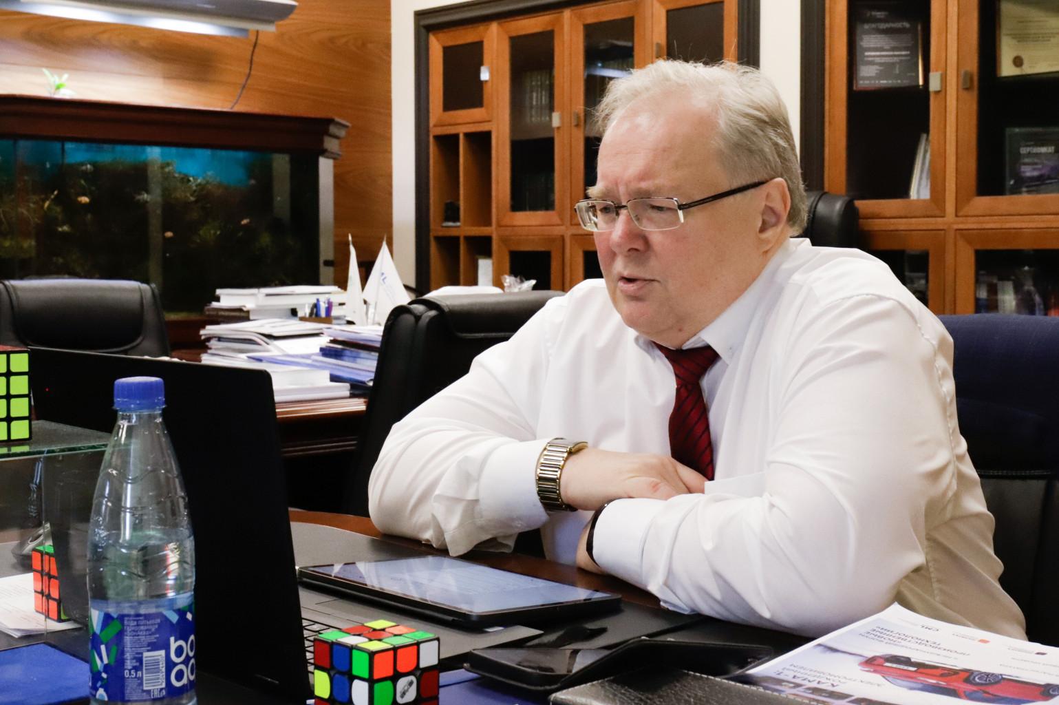Алексей Боровков выступил с двухчасовой лекцией в рамках акселерационной программы «МСП: акселератор инноваций» для техногазелей и национальных чемпионов