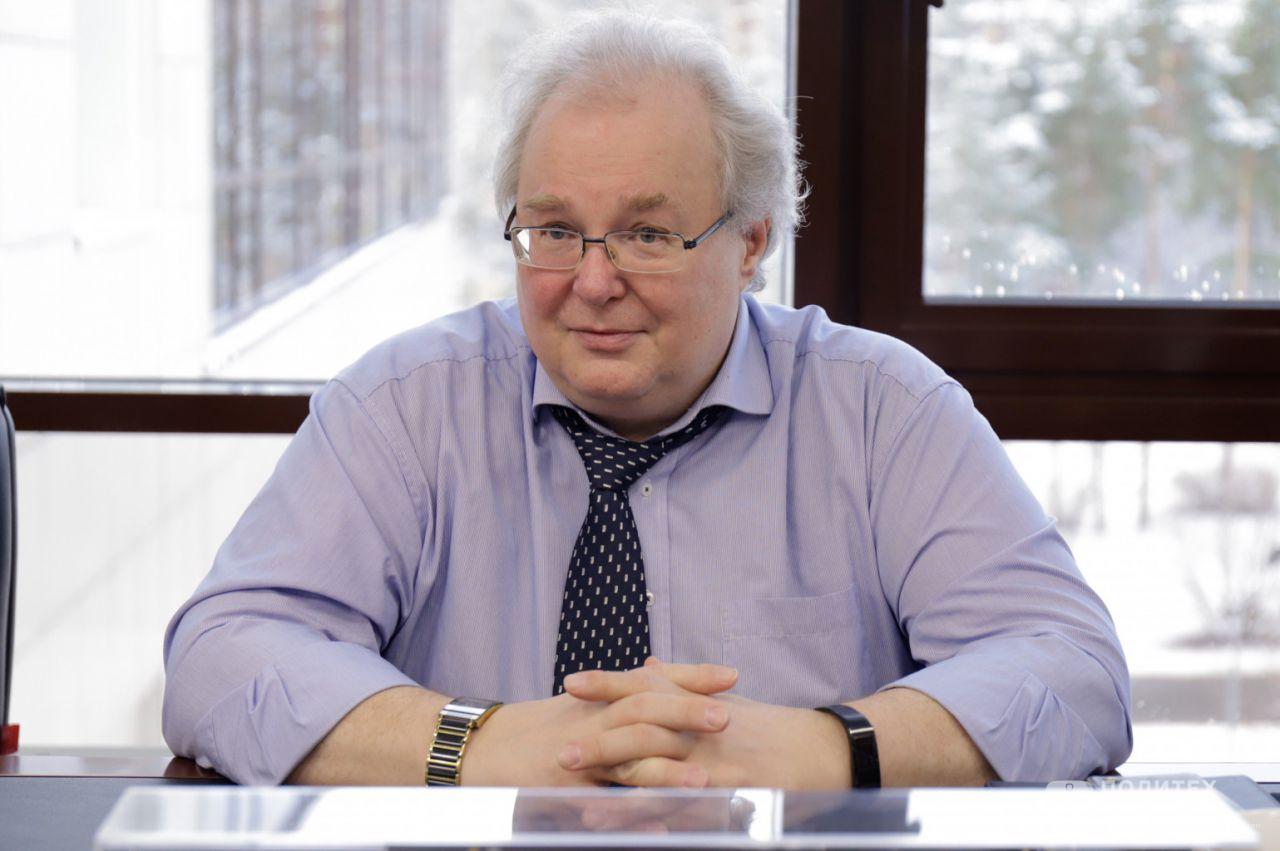 2 - В Центре НТИ СПбПУ состоялось рабочее совещание с президентом НП «РУССОФТ» Валентином Макаровым